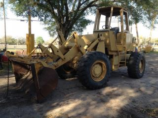 1981 Caterpillar Cat 930 Wheel Loader Very photo