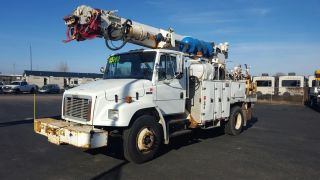 2003 Freightliner Fl80 photo