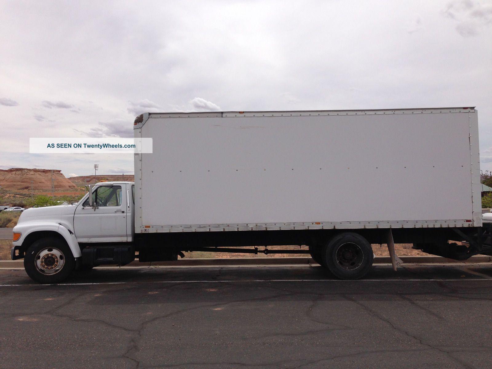 1999 Ford 800 Box Trucks / Cube Vans photo