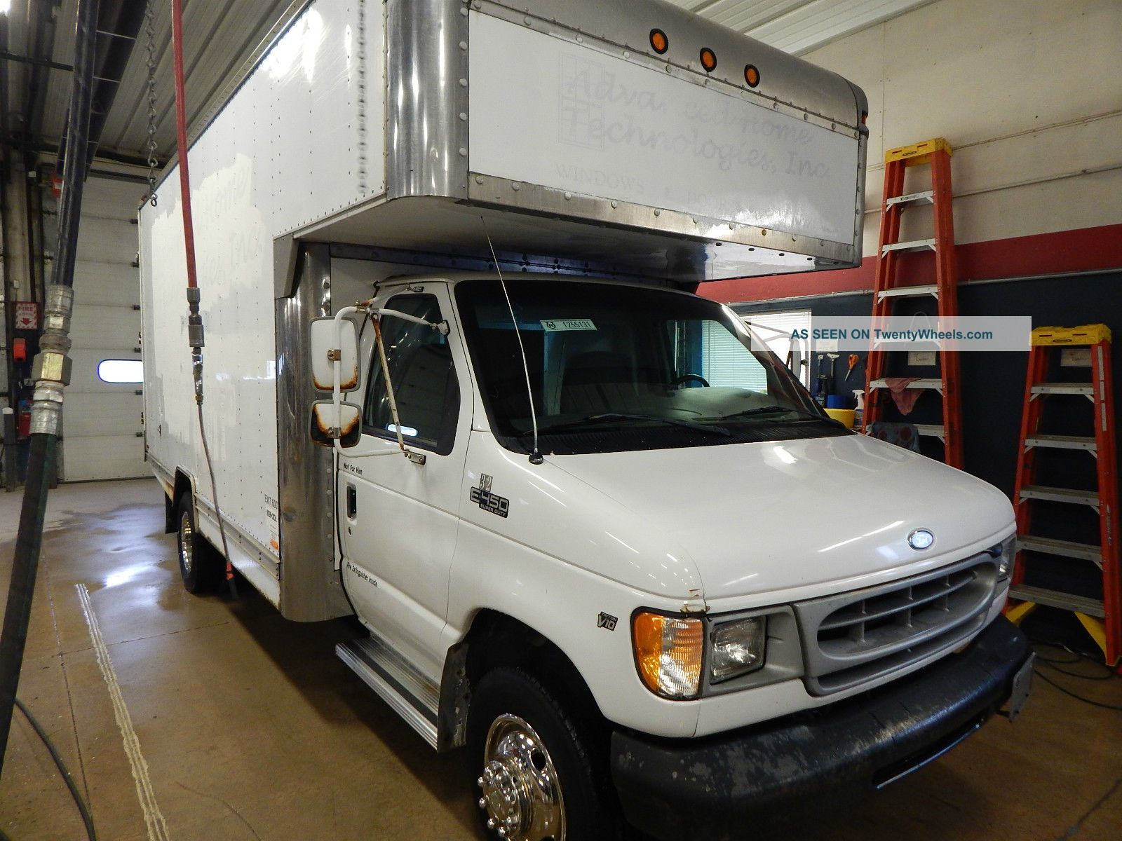 1999 Ford E450 Box Trucks / Cube Vans photo