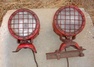 Vintage International Ihc Btd5 Btd6 Btd20 Crawler Tractor Head Lamps Btd 5 Btd 6 photo