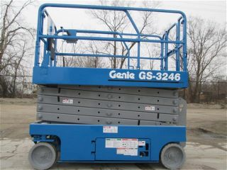 2006 Genie Gs - 3246 Scissor Lift Manlift Boomlift Aerial Lift Platform Lift photo