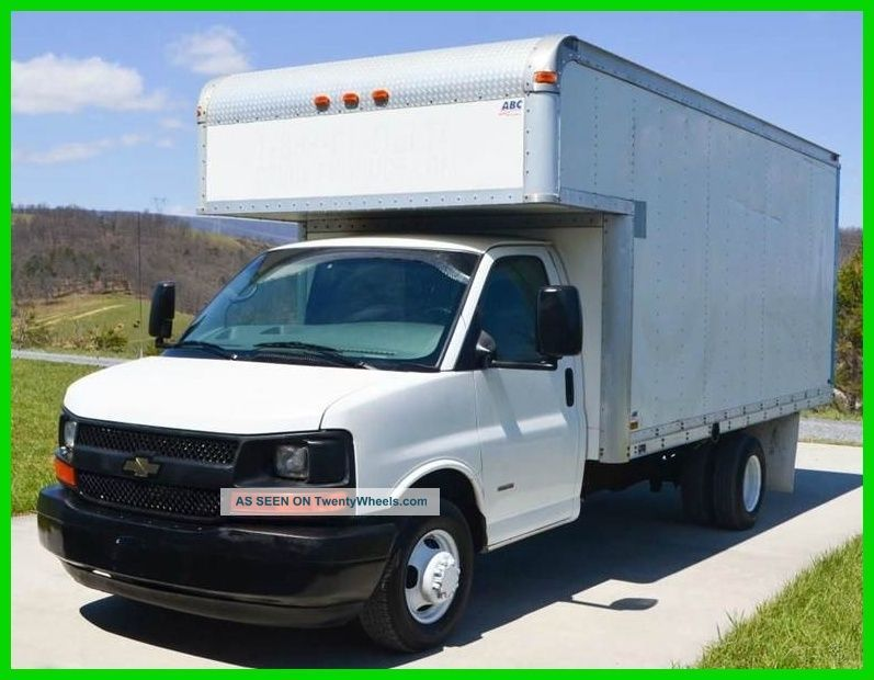 2006 Chevrolet 3500 Duramax 16ft Box Truck / Attic Box Trucks / Cube Vans photo
