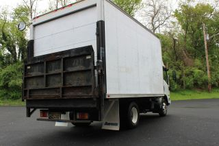 2008 Isuzu Npr 14 ' Box Truck photo