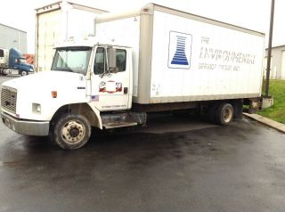 2001 Freightliner photo