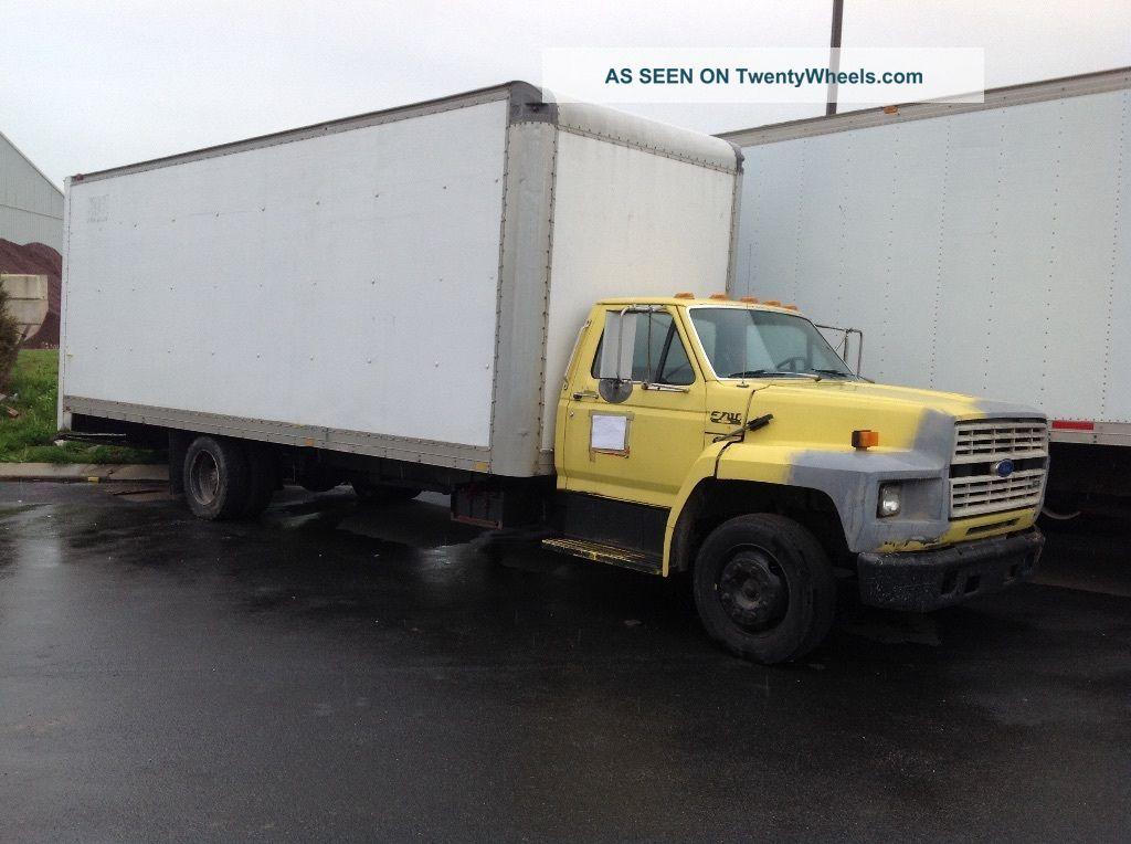 1993 Ford F700 Box Trucks / Cube Vans photo