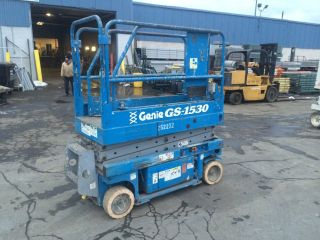 2004 Genie Gs1530 Scissorlift 15 ' Deck Hgt,  21 ' Work Hgt,  Fully Operational Hd photo