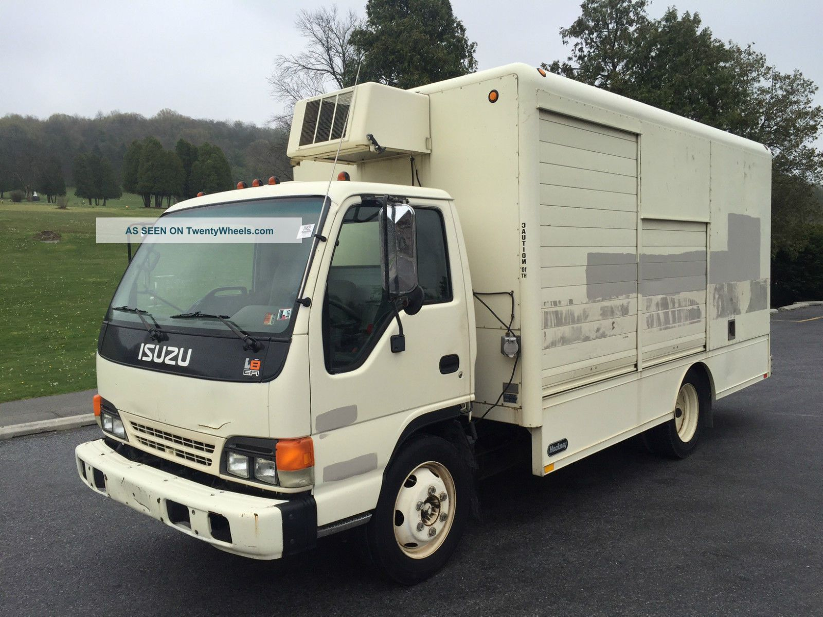 2001 Isuzu Npr Box Trucks / Cube Vans photo