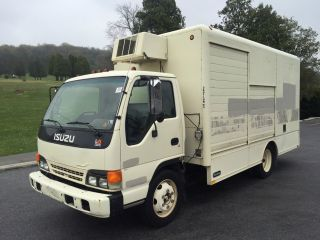 2001 Isuzu Npr photo