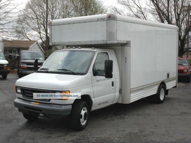 2006 Ford Cutaway Box Truck Box Trucks / Cube Vans photo
