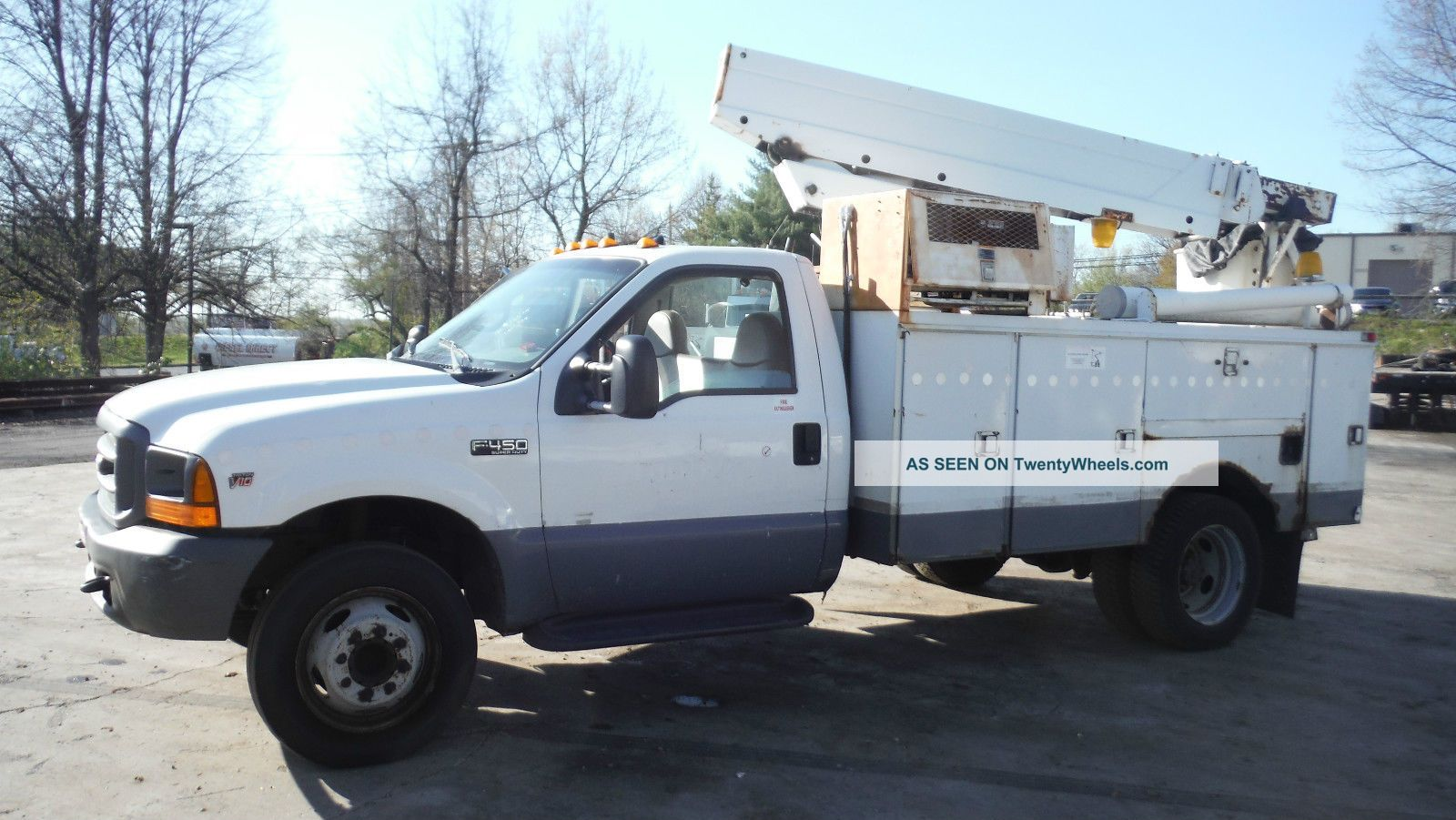 1999 Ford F - 350 4x2 Bucket / Boom Trucks photo