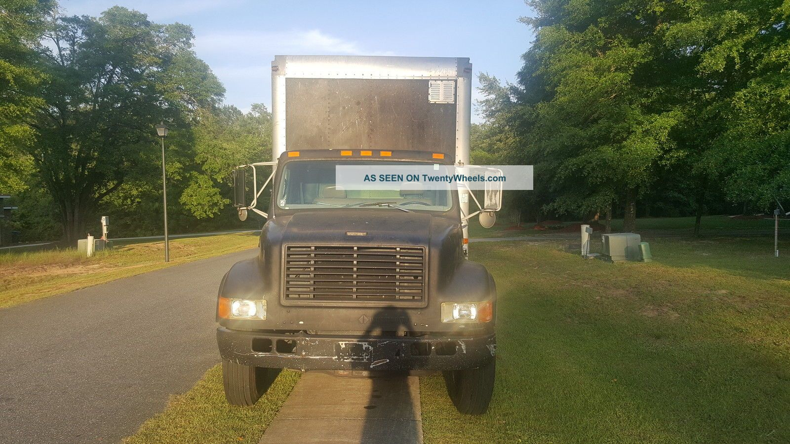 1995 Freightliner Box Trucks / Cube Vans photo