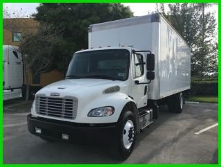 2011 Freightliner M2 106 photo