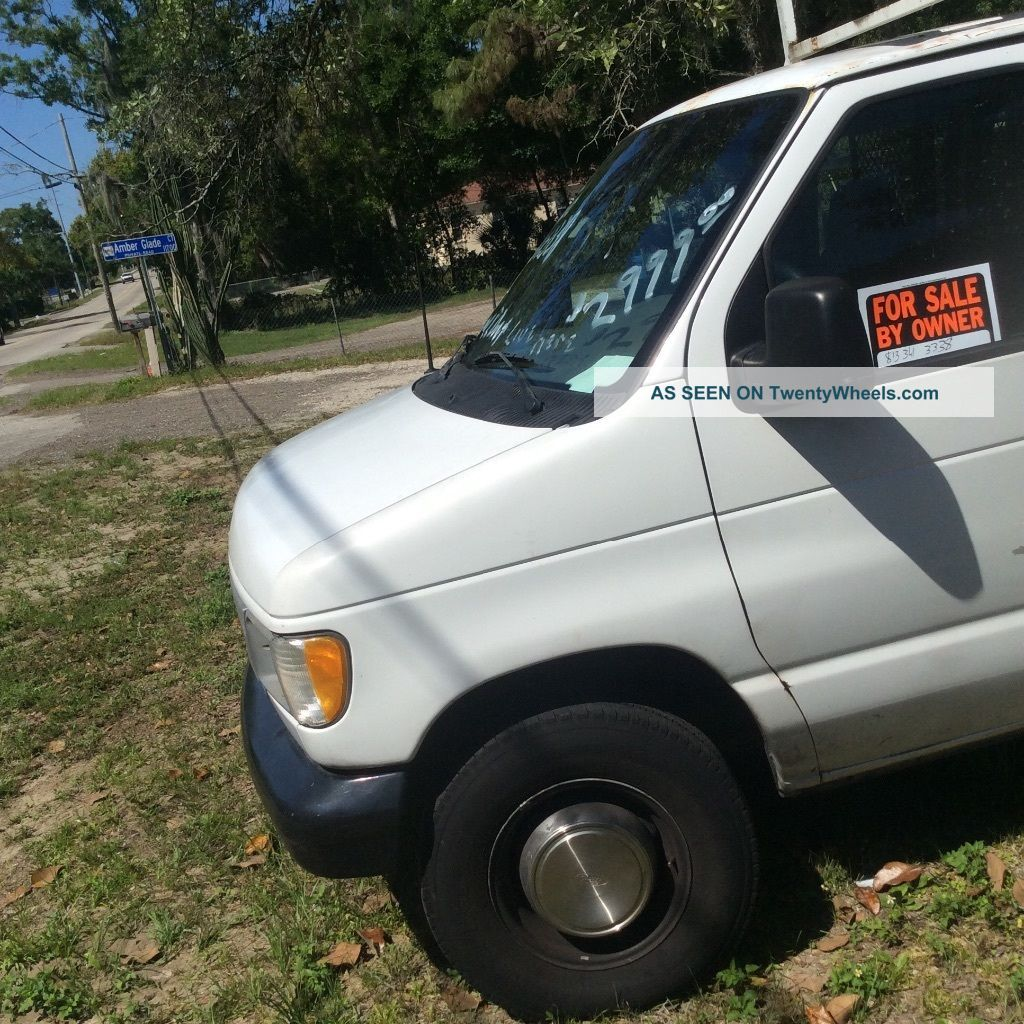 2002 Ford E250 Delivery / Cargo Vans photo