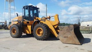 Case 821e Articulating 4wd Wheel Loader - Finance Available. . . photo