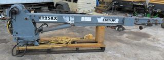 Venturo Et25kx Electric 5,  000lb Crane With Remote (pick Up Only) photo