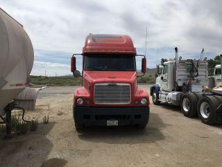 2001 Freightliner photo