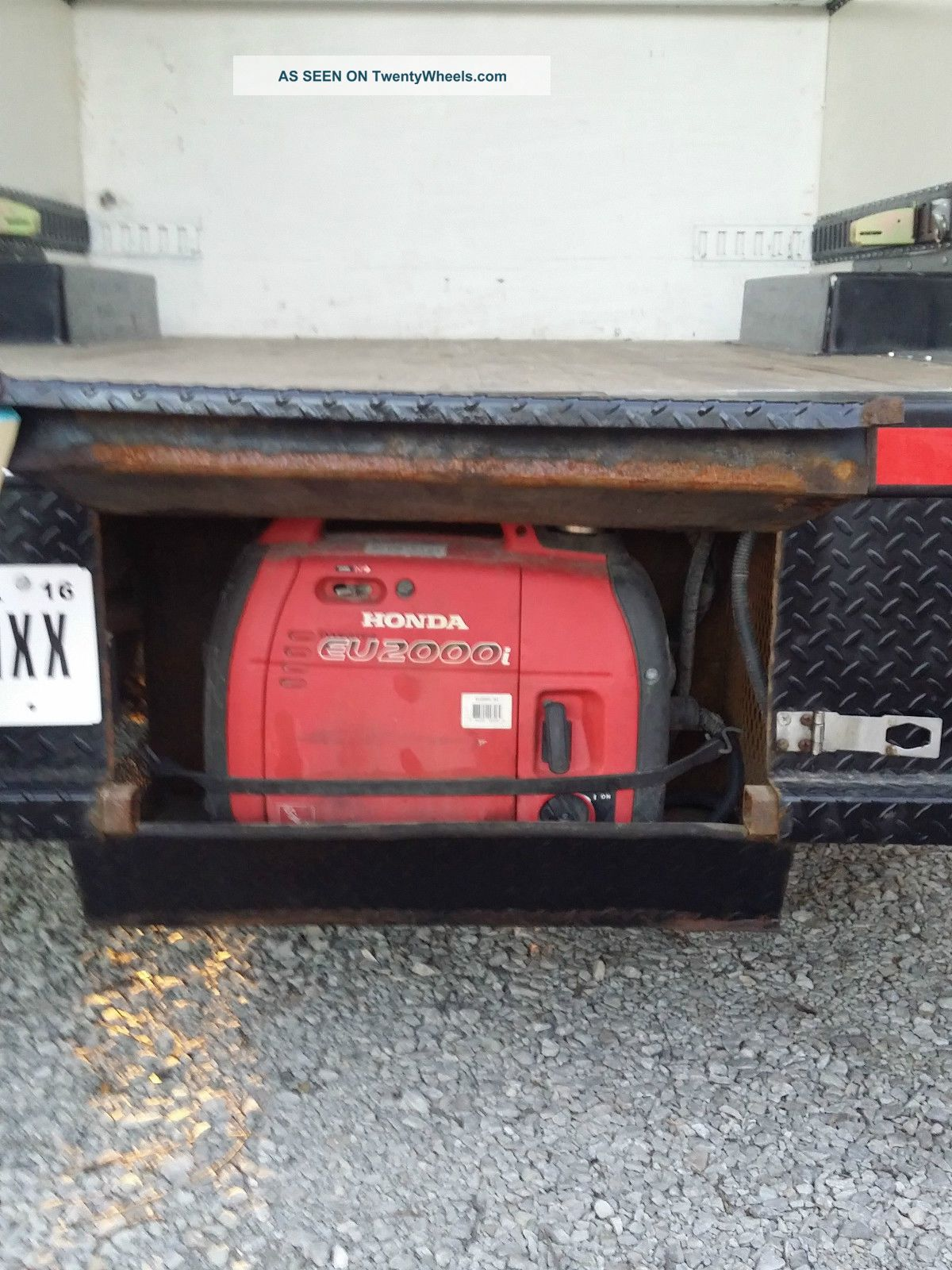 2013_gmc_savana_3500_box_truck_7_lgw Where Is The Fuse Box On A Kenworth Truck on