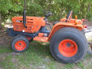 Kubota Tractor B8200e photo