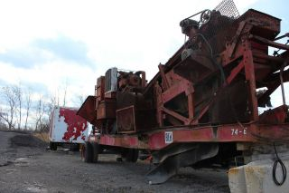 Eagle Jaw Crusher And Screener photo