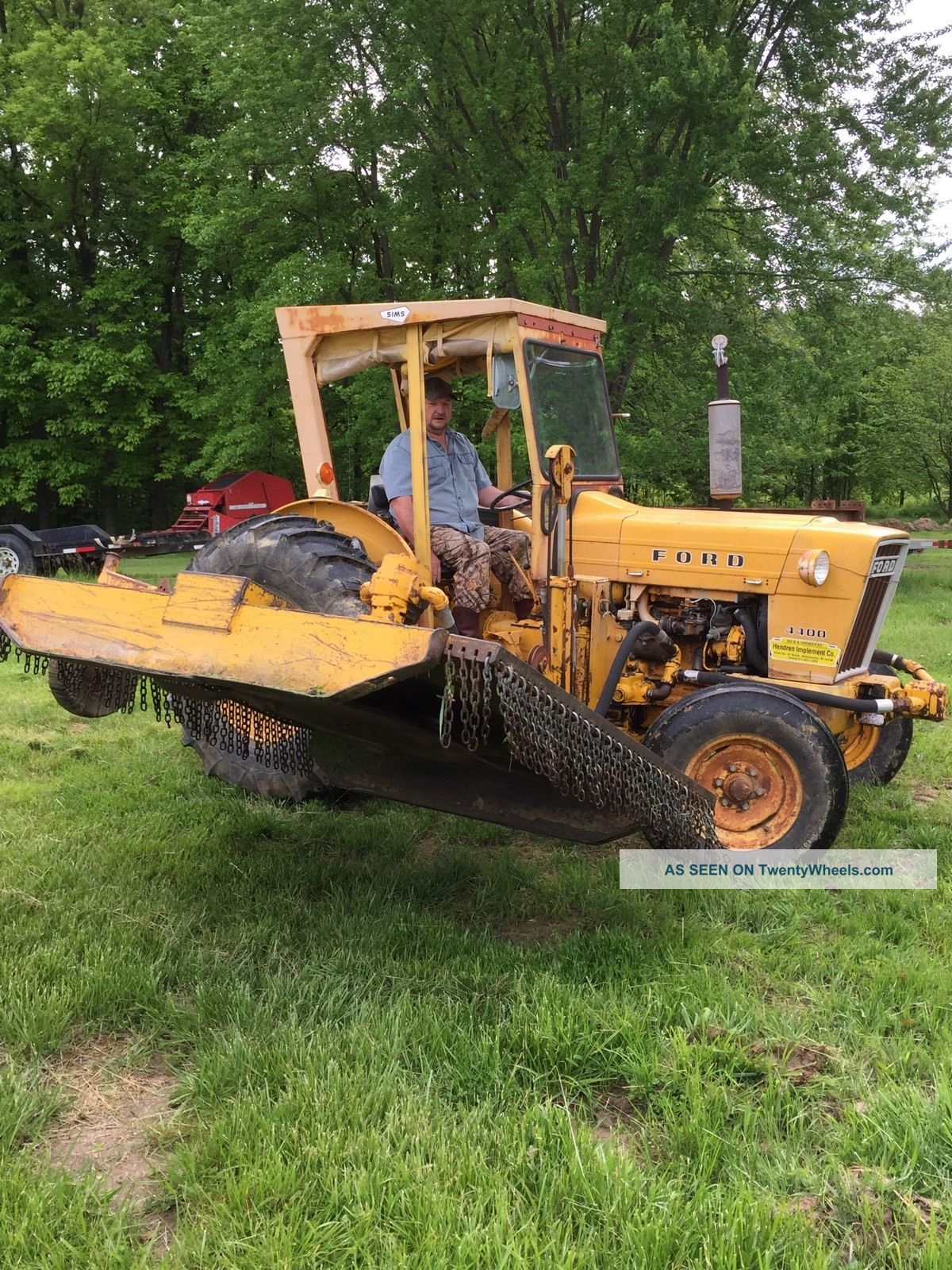 Ford 4400 Industrial Tractor : Ford industrial tractor with side mower