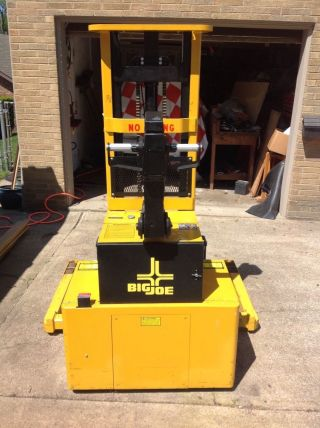 Big Joe Walk - Behind Electric Pallet Fork Lift Pdm 30 - 106 photo