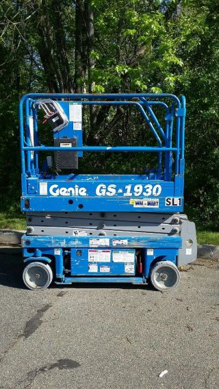 Genie Gs1930 - Operational - Videos - Electric Scissor Lift,  Man,  Aerial,  Pa photo