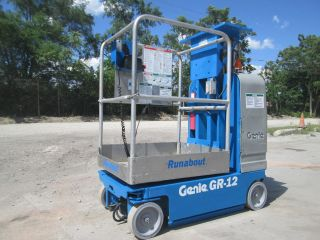 2005 Genie Gr - 12 Drivable Vertical Manlift,  Personnel Lift Scissor Lift,  Aerial photo