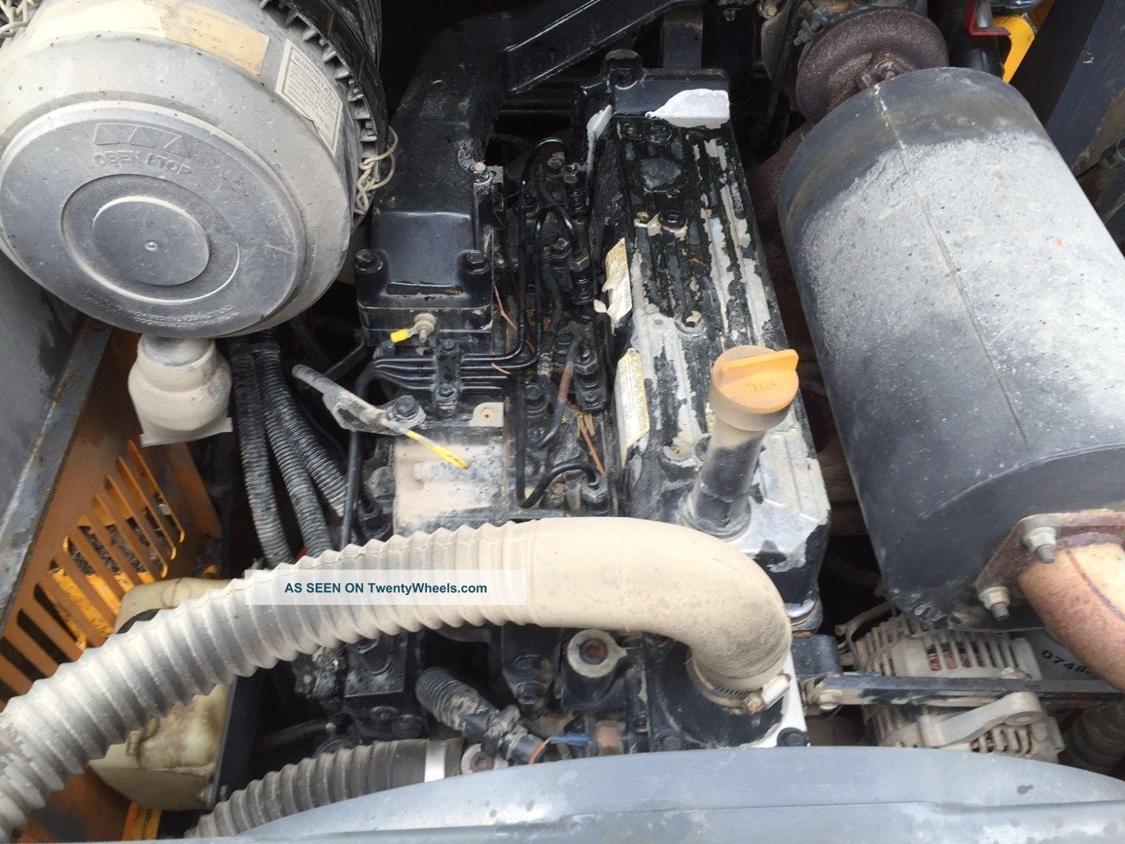 Mustang 2105 Skid Steer With Bucket - 110 Hp Machine