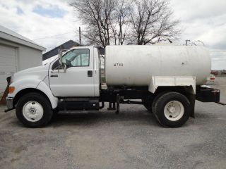 2008 Ford F750 photo
