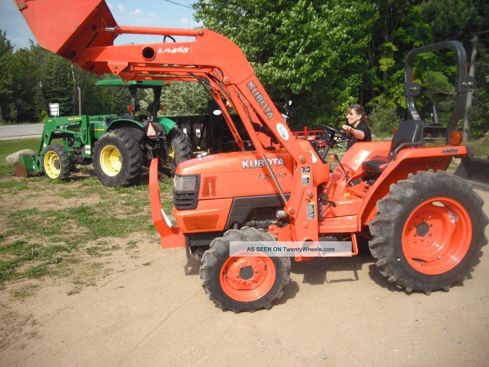 Small Tractors With Loaders : Kubota l hp loader compact tractor