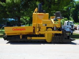 1984 Cedarapids Bsf 521 Crawler Asphalt Paving Machine photo