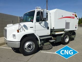 2005 Freightliner Fl70 photo