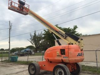 Jlg 600s Boom Lift Diesel 4x4 60 Ft Boom Lift photo