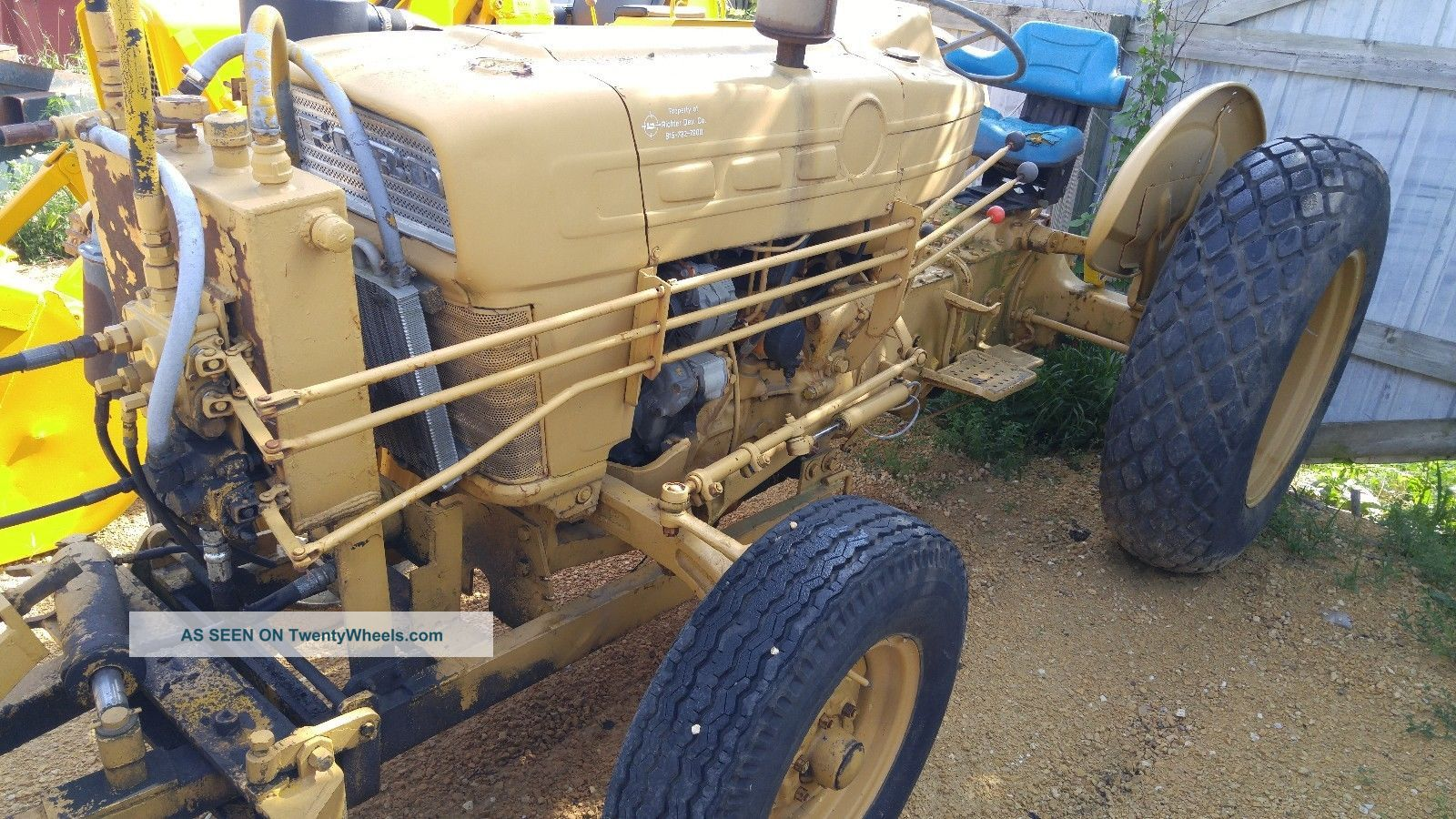 Ford 3500 Tractor : Ford utility broom tractor