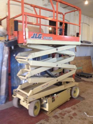 2000 Jlg 2032e2 Scissor Lift photo