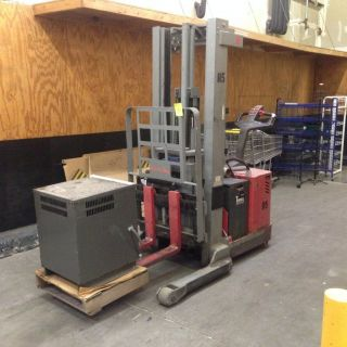 Electric Stocker Fork Lift Walk Behind Pallet Loader photo