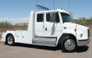 2001 Freightliner 330hp Cat Diesel Allison 6spd photo