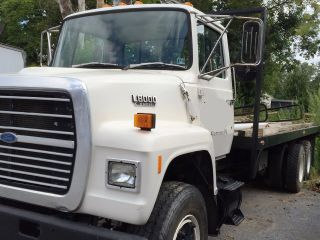 1988 Ford L8000 photo