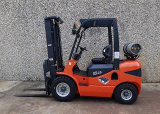 Maximal Propane Pneumatic Tire 5,  000 Lb Cap.  Forklift photo