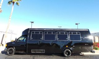 2005 Ford Econoline Commercial Cutaway E - 450 Passenger Bus photo