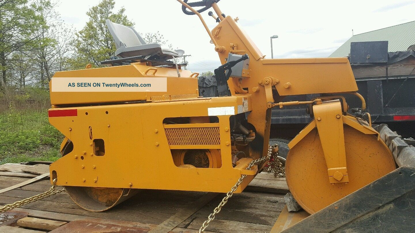 2002 Leeboy 300 Asphalt Roller Compactors & Rollers - Riding photo