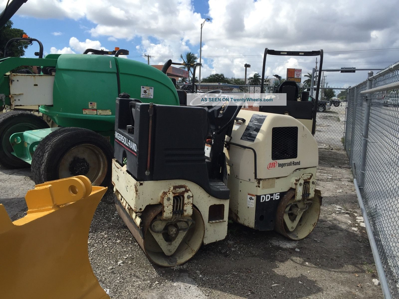 2004 Ingersoll - Rand Dd16 Double Drum Roller Compactors & Rollers - Riding photo