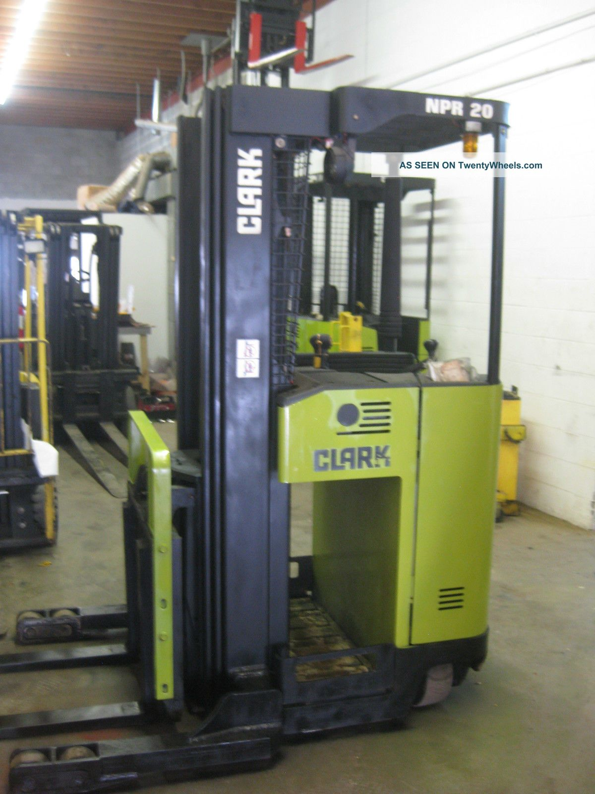 Narrow Aisle Forklift : Clark narrow aisle electric reach forklift chassis only