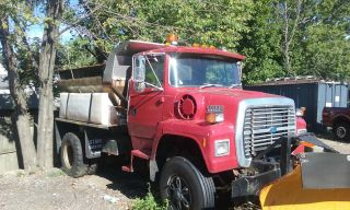 1993 Ford Ford L8000 photo