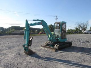 2003 Yanmar Vio40 Mini Excavator W/cab & Thumb photo