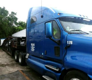 2004 Kenworth photo