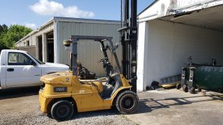 2005 Caterpillar P6000 Forklift photo