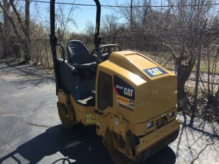 2014 Caterpillar Cb - 14 Vibratory Tandem Asphalt Roller - Low Hrs - Diesel - 125 Hours photo