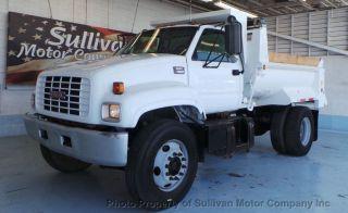 2000 Gmc C7500 Dump Truck photo